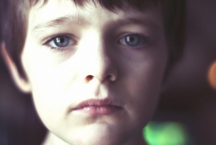Tužni dečak
