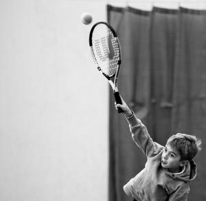 Mladi teniser