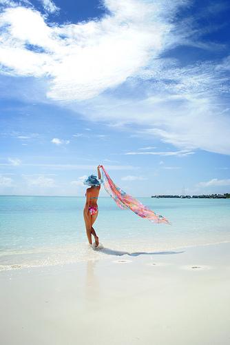 Devojka na plaži
