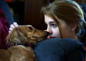 Devojčica i pas